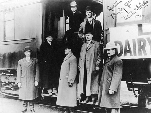 Professors traveling by train